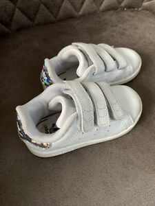 Adidas Stan Smith Trainers Infant Girls Size 6 K White  Silver Hologram Heel