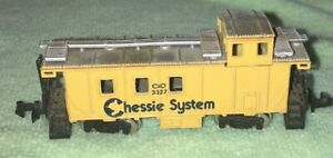 Bachmann N Scale Chessie System Caboose #3327