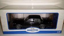 Model Car Group 1:18 Chevrolet Caprice 1987 zwart nieuw in verpakking