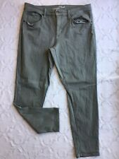 Universal Thread Women's Size 14W Olive Green Jeans