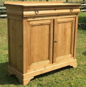 A FINE FRENCH MID 19th CENTURY LOUIS PHILIPPE PINE AND SYCAMORE CUPBOARD