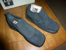 Frye Shoes  Woman's Black Avenger Slip On Shoes Size 10 M New in Box *