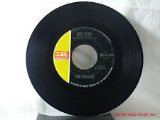 THE HOLLIES -(45)- BUS STOP / DON'T RUN AND HIDE  - IMPERIAL  IM-66186  -   1966