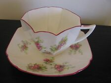 SHELLEY SWEETHEART ROSE QUEEN ANNE TEACUP AND SAUCER