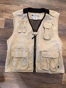 Columbia Light Khaki Beige Lightweight Breathable Fishing Vest Men XL Unisex