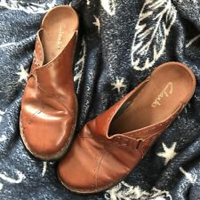 Womens Size 9 Brown Leather Slip On Clarks
