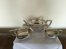 BEAUTIFUL 3 PIECE SILVER PLATED TEA SERVICE ON 4 PAW FEET (SPTS 0991)