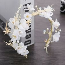 WHITE FLOWERS HAIR ACCESSORY Floral Fascinator Crown Racing Bridal Spring Cup