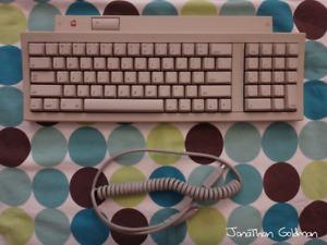 Apple Keyboard II for Macintosh IIgs ADB Apple Desktop Bus Mac Vintage M0487