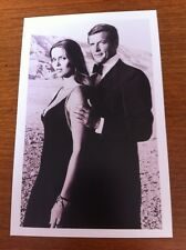 James Bond Postcard - The Spy Who Loved Me - Major Anya Amasova & Bond - NEW