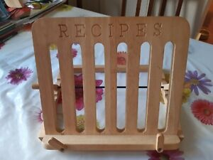 'RECIPES' Wooden Cook Book Recipe Display Stand / Rack Foldable & Adjustable