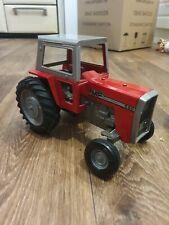 ERTL Massey Ferguson Model Tractor 590 - 1/16 scale - metal