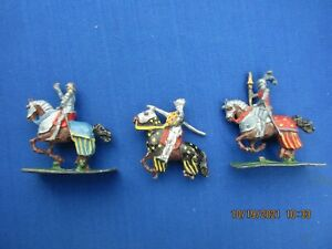 """S.A.E 30 MM LEAD FIGURES """"KNIGHTS & FOOTMAN"""" FROM SET #1200 THREE (3) PIECES"""