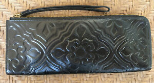 HOBO INTERNATIONAL OVERSIZED TOOLED BLACK LEATHER CLUTCH GAG PURSE