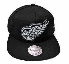 Detroit Red Wings Mitchell & Ness Black Solid Wool White Logo Snapback Hat NHL