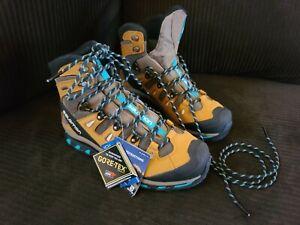 Salomon Quest 4d 3 GTX Backpacking / Hiking Boots - women's size 9.5NEW OPENBOX