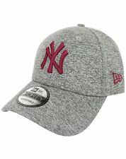 New Era 9Forty MLB New York Yankees Tech Jersey Cardinal Cap