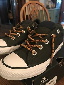 Boys Size 1 1/2 Converse Green Gold Shoelaces