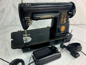 Singer Sewing Machine 301A Slant Needle  Black Featherweight 221 Sister Working!