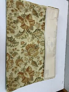 Raymond Waites Reversible Floral Fabric Placemats set of 4