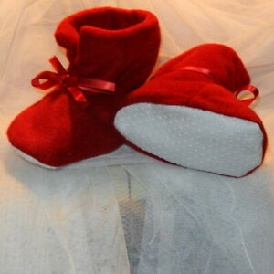 Fleece Baby slippers Baby Booties Fabric Shoes Red Happy Feet warm toes handmade