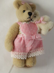 "World Of Miniature Bears By Theresa Yang 2.5"" #602 It's a Girl, Closing"