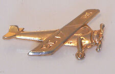 CLASSIC AEROPLANE BROACH / PIN - AVIATION COLLECTIBLE - GOLD COLOURED METAL