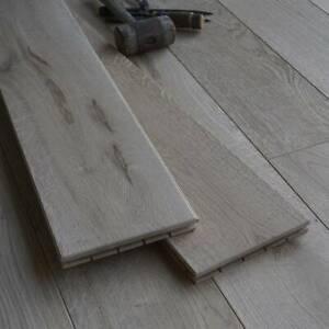 "7"" Antique Light Distressed Solid Oak Flooring - Wide Boards - Real Wood DD19"