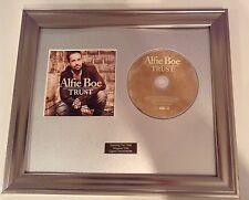personalmente firmato/AUTOGRAFATO Alfie Boe - OF TRUST CD incorniciato con la