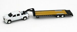 1:64 ERTL *WHITE* 2020 Chevrolet SILVERAD 2500 HD Truck w/GOOSENECK FLATBED NEW!