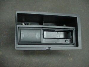 2003 cadillac seville center console cd changer