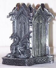 Pot à crayon dragon médiéval