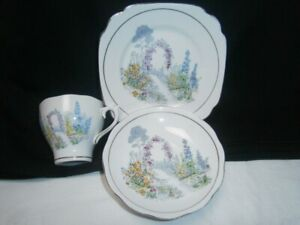 VINTAGE HANDPAINTED ROSLYN CHINA ENGLISH COUNTRY GARDEN CUP SAUCER PLATE TRIO