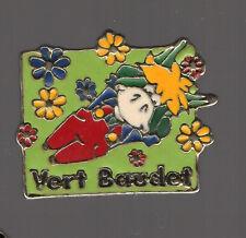 pin's mode vêtements enfants / Vert Baudet (qualité zamac)