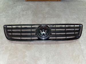04 05 06 VW Volkswagen Phaeton Front Upper Grille Grill Emblem Chrome OEM