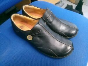 Clarks Unstructured black leather slip on shoes size 8