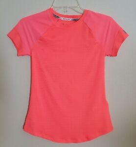 Run Under Armour Shirt XS Fitted HeatGear Women's XS NWT Bright Coral 1305126