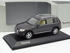 Minichamps 1//43 Volkswagen Touareg V10 TDI 2007 gris foncé métallisé