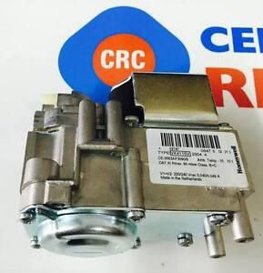 VALVOLA GAS VK4115V 2004 RICAMBIO CALDAIE ORIGINALE FERROLI CODICE: CRC39810420