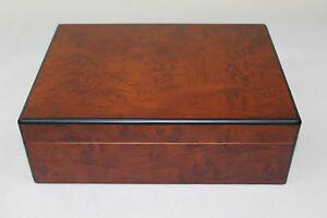 Wooden cigar box -215