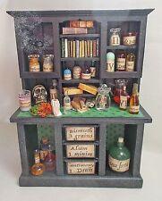 CASA delle Bambole in Miniatura Grandi Dusty Black Wizard/Strega VETRINETTA con credenza