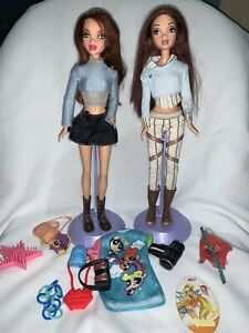 my scene dolls lot Chelsea With Clothing And Accesories