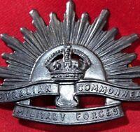 **AUSTRALIAN ANZAC WW1 & WW2 RISING SUN UNIFORM HAT OR CAP BADGE MEDAL AIF *