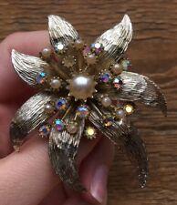 & Pearl Flower Brooch/Pin/Retro/60' s/70's Vintage Chunky Gold Tone Rhinestone