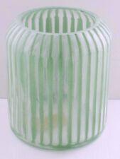 Deko für Drinnen und Draußen: Tolles Windlicht / Kerzenglas mit grünen Streifen