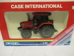 1/32 ERTL    TRACTEUR CASE  INTERNATIONAL