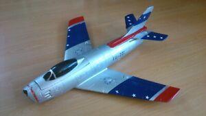 Freewing F86 Skyblazers 70cm Spannweite mit 64mm Impeller