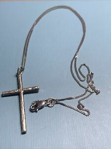 Vintage 925 Silver Cross Pendant On 18 Inch Chain