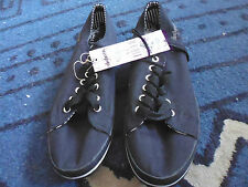 LADIES CUTE EVERYDAY BLACK CANVAS LACE UP PUMPS BY DOGHOUSE - SIZE 9 - NWT