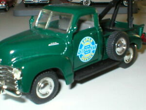 1998 Jakks Pacific Road Champs 1953 Chevrolet 3100 Pick Up Collectible Tow Truck